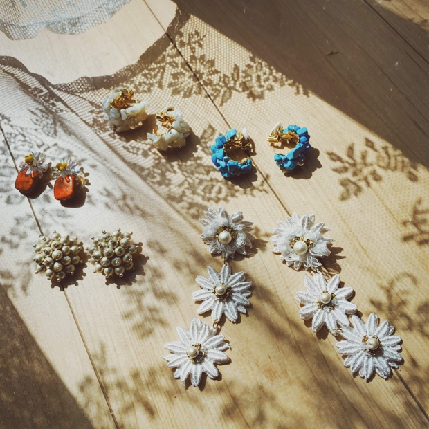 earrings_products.jpg