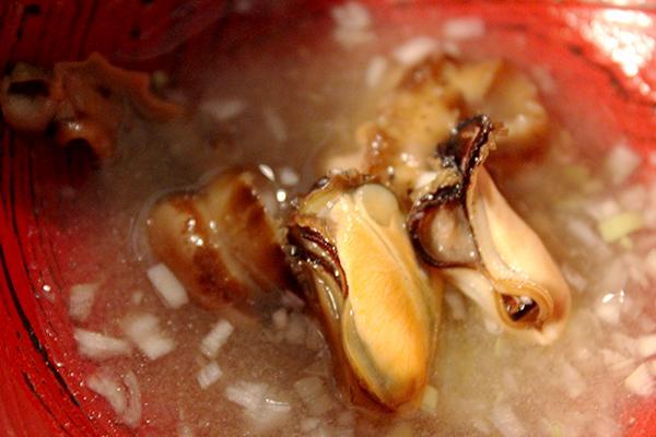 ムール貝とホタテヒモの味噌汁